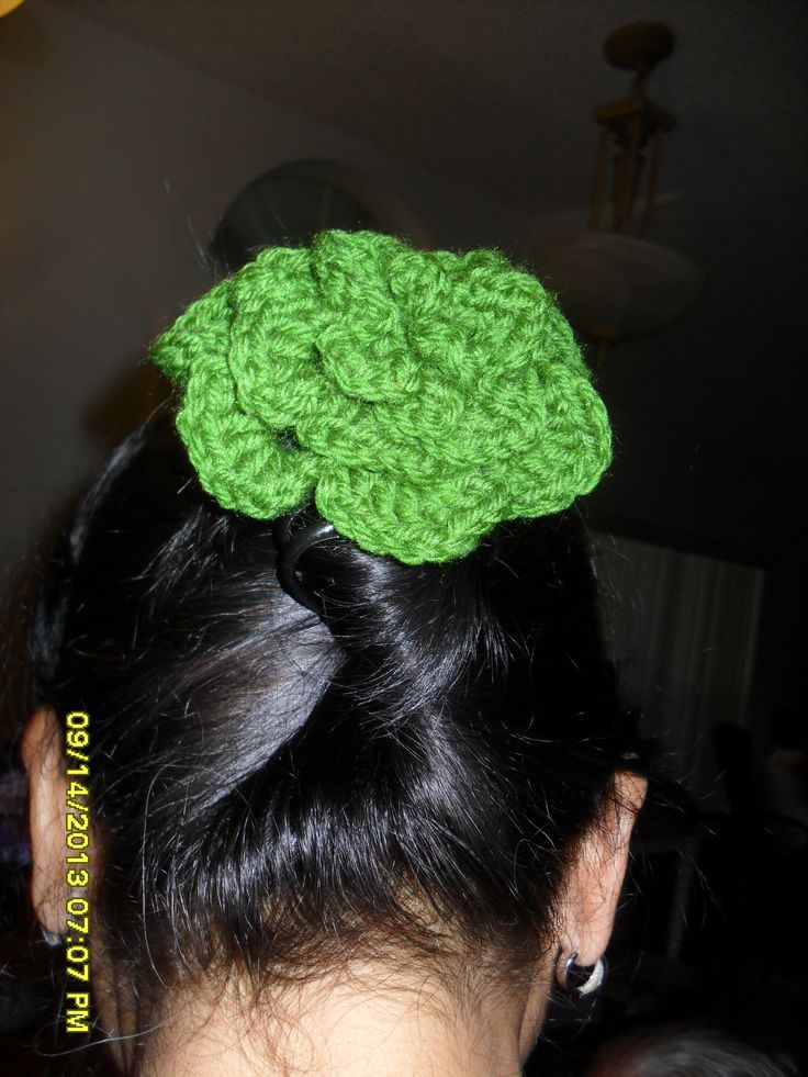 crocheted flower hair ties Crochet Projects and More Pinterest