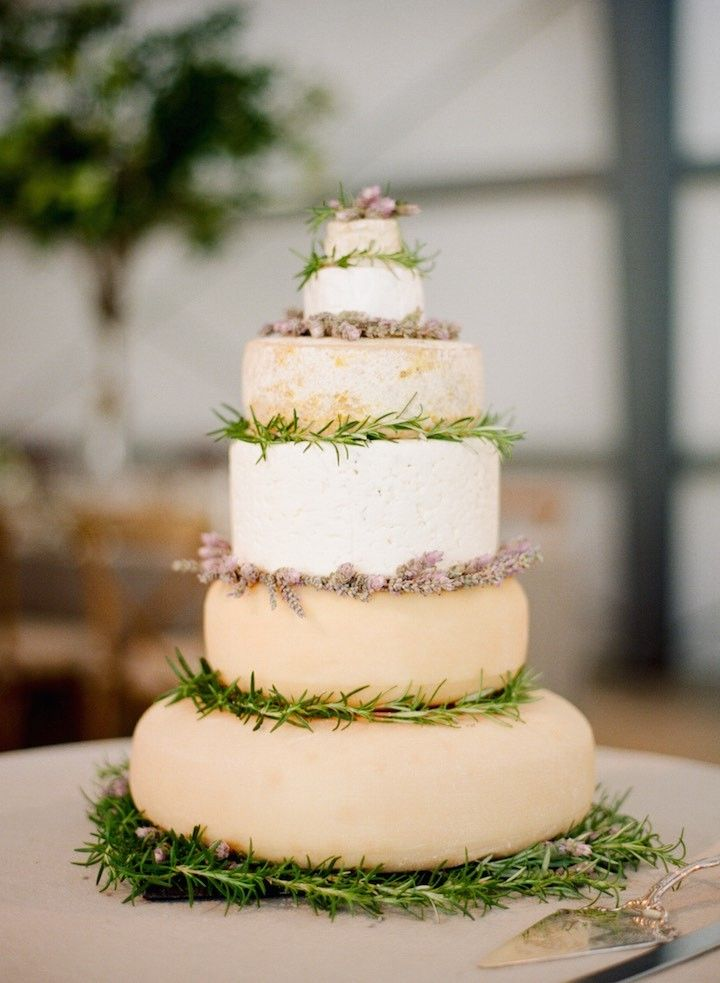 savoury wedding cake ideas 1000 ideas about wedding cakes made of cheese on 19685