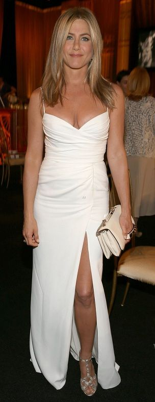Celebrity Fashion Jennifer Aniston gorgeous as ever