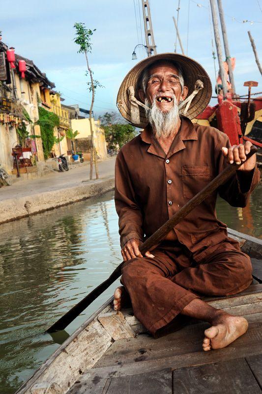 Vietnamese Boat Man - Hoi An, Quang Nam