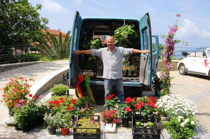 Flower vendor, Italy
