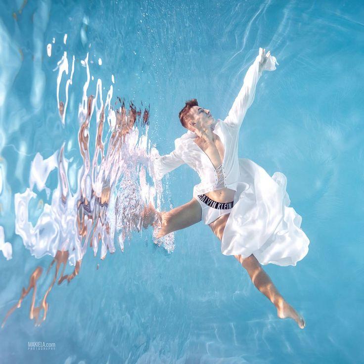 "Polubienia: 1,260, komentarze: 8 – Rafal Makiela Dubai (@dubai_photographer_makiela) na Instagramie: ""New shoot with talented Polish dancer Cezary Borowik :) special thanks for support Akademia…"""