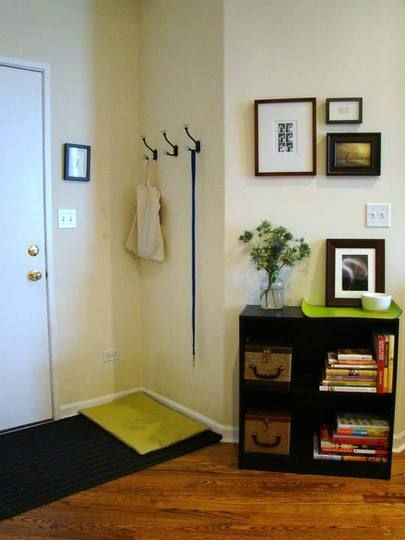 17 best ideas about small apartment entryway on pinterest for Foyer designs for apartments india