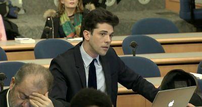 "ENA ΜΕΓΑΛΟ ΕΥΓΕ – FYROM not ""Macedonia""! Έλληνας δημοσιογράφος έβαλε στην θέση του το State Department [Video]"