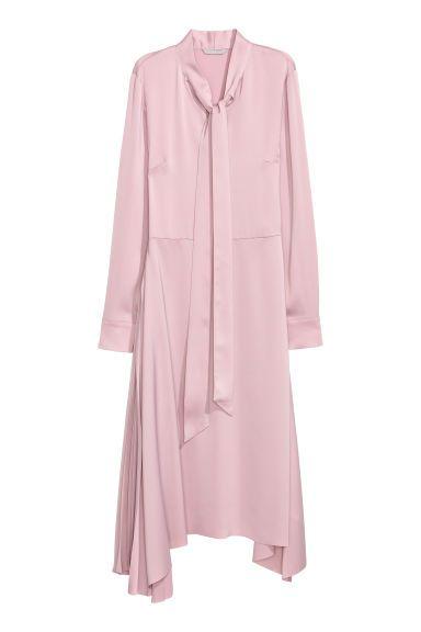 Satynowa sukienka - Pudroworóżowy - ONA | H&M PL