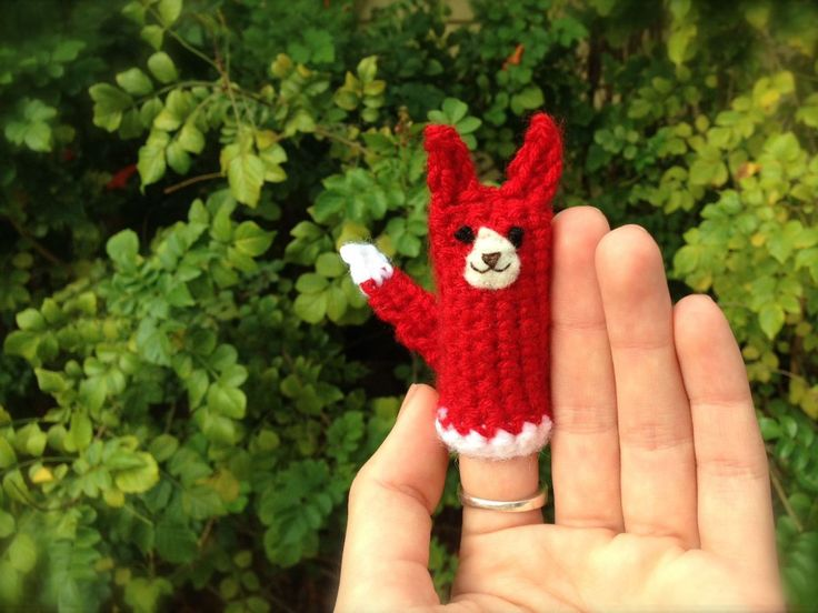 What Does the Fox Say? Free Finger Puppet Crochet Pattern