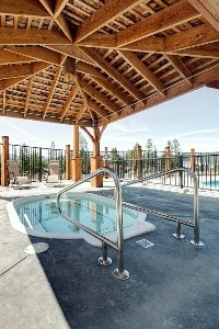 Year round outdoor hot tub, to sooth those muscles after a day of golf or skiing