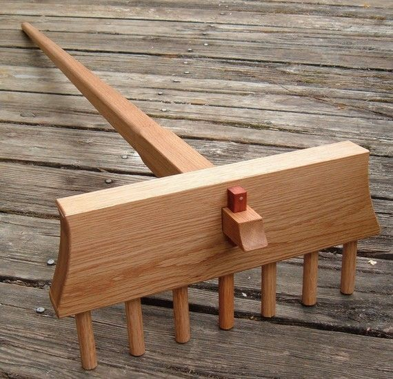 Full Size Japanese Zen Rock Garden Rake Handcrafted in White Oak. Samon Yo Kumade for Karesansui