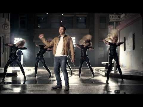 Nikos Vertis - Oute pou me noiazei (Official Videoclip) - YouTube