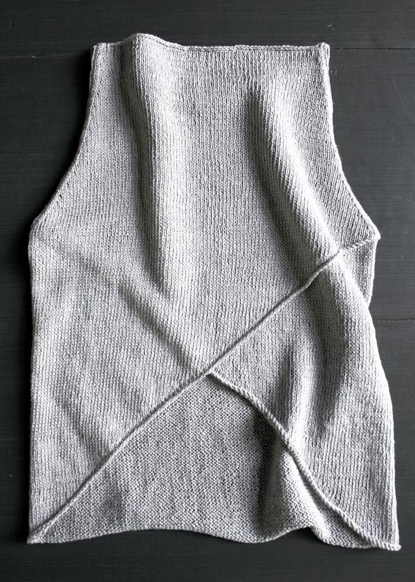 Beautiful knit tank. I wish I could knit better! Maybe this is the project that pushes me to learn more.