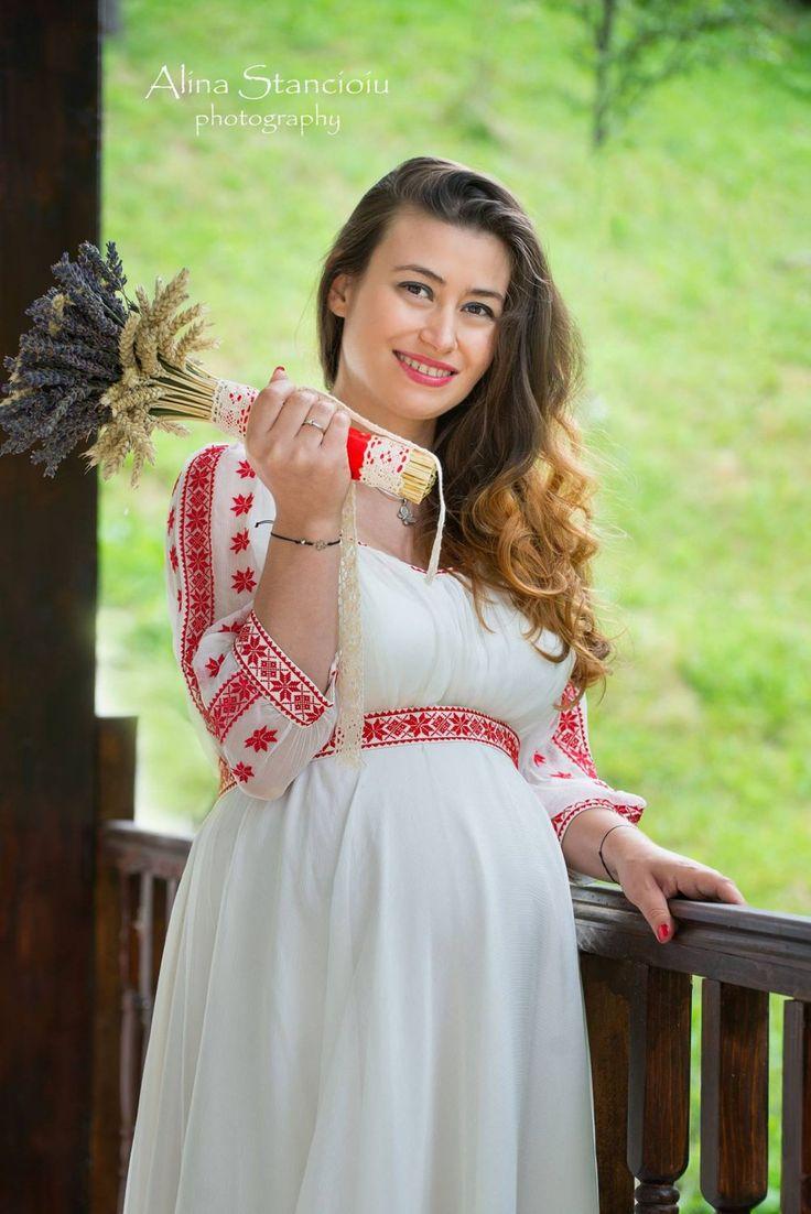 Rochie de mireasă tradițională - Miresele Mirinei
