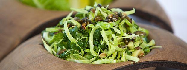 Lækker spidskålsalat med avocado