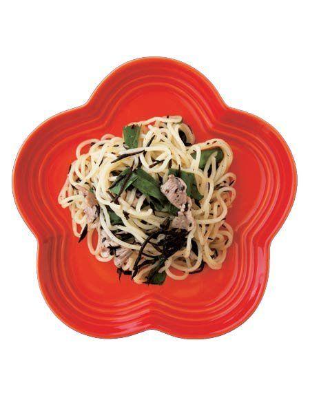 【ELLE a table】ニラとひじきのレモン焼きそばレシピ|エル・オンライン