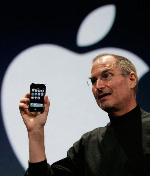 Steve Jobs Announces The First IPhone 2007