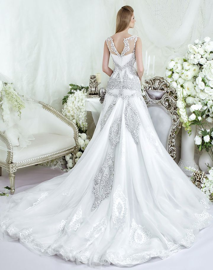 177 best wedding gowns images on pinterest wedding for Plus size wedding dresses los angeles
