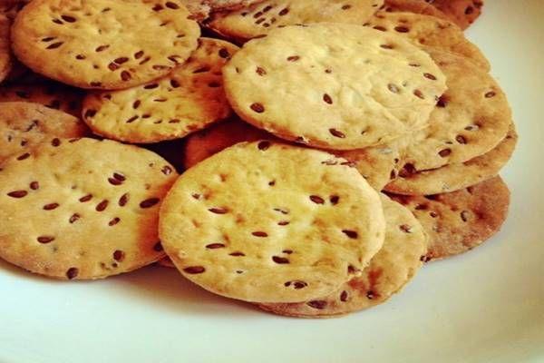 Isteni, ropogós sós, sajtos kekszek Húsvétra! Alig 15 perc és kész is!