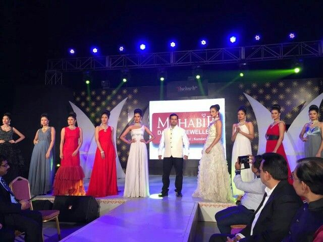 Fashion show of Bollywood brides collection display at Alankarik event.