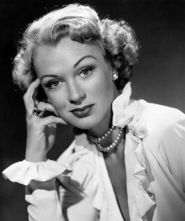 Eve Arden looking sophisticatedly lovely as the day is long. #vintage #actress