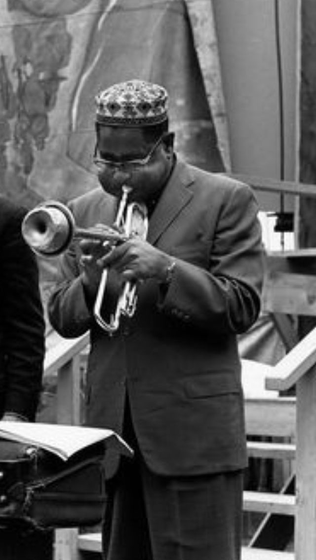 the life of john birks gillespie an american jazz trumpeter and bandleader Watch video a jazz trumpeter and composer, dizzy gillespie played with early life famed jazz trumpeter and composer dizzie gillespie was born john birks gillespie.