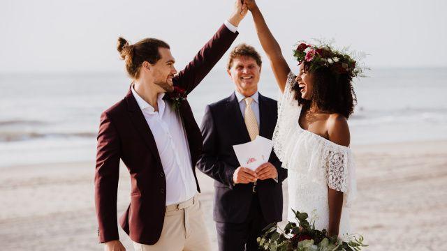 Credit: Maryla Fossen Fotografie - vrouw, bruidegom, huwelijk (ritueel), liefde, saamhorigheid, mannelijk, romance (relatie), volk, buitenshuis, strand (kust), zomer, bruid, plezier (plezier), plezier