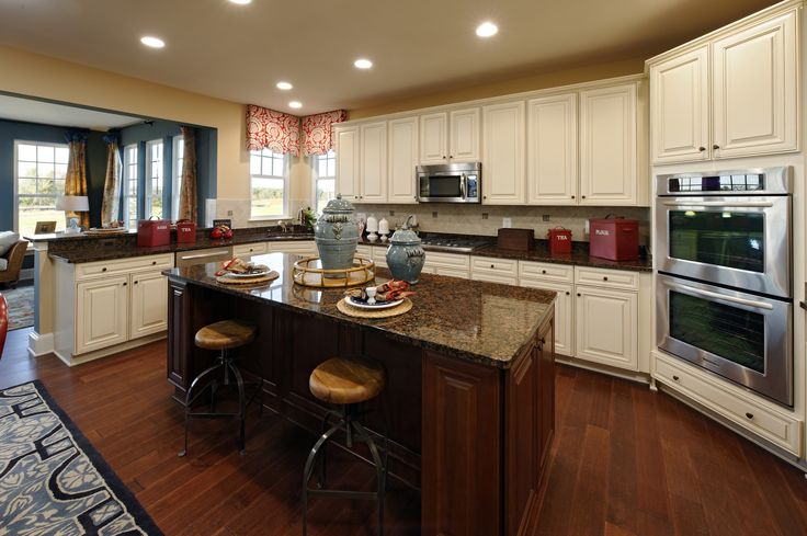 A gorgeous beazer homes kitchen in the ashford model for Model kitchens with white cabinets