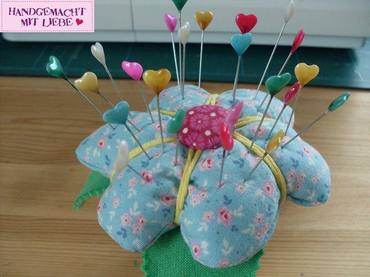 Blumentopf Nadelkissen ein praktischer Helfer für alle Nähbegeisterten. Detaillierte Anleitung zum Nachmachen mit vielen Fotos.