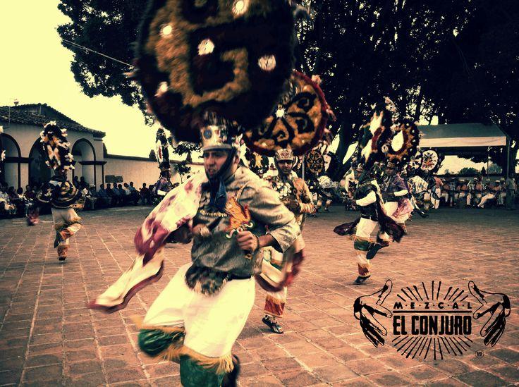 mezcal, mezcal el conjuro, postal, foto, oaxaca, danza de la pluma