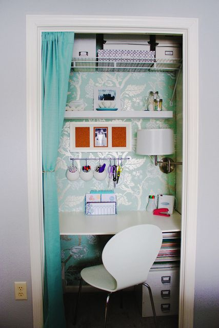 Small closet office - YES! This is what I need in the bedroom!