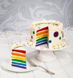 Eine Bunte Geburtstagstorte ist der Knaller für jeden Kindergeburtstag. #Geburtstag #Kinder #Torte