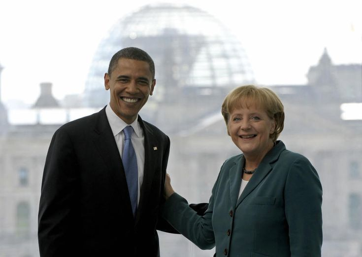 German Chancellor Angela Merkel welcomes US Democratic presidential hopeful Barack Obama at the Chancellery on July 24, 2008 in Berlin.