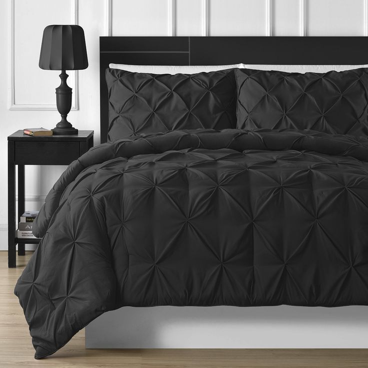 3 Piece Luxurious Pinch Pleat Comforter Set