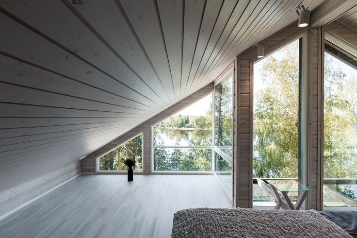 There is a two side view to the lake from Villa Helenius master bedroom.  Hanna-Marie Naukkarinen and Jussi Hietalahti