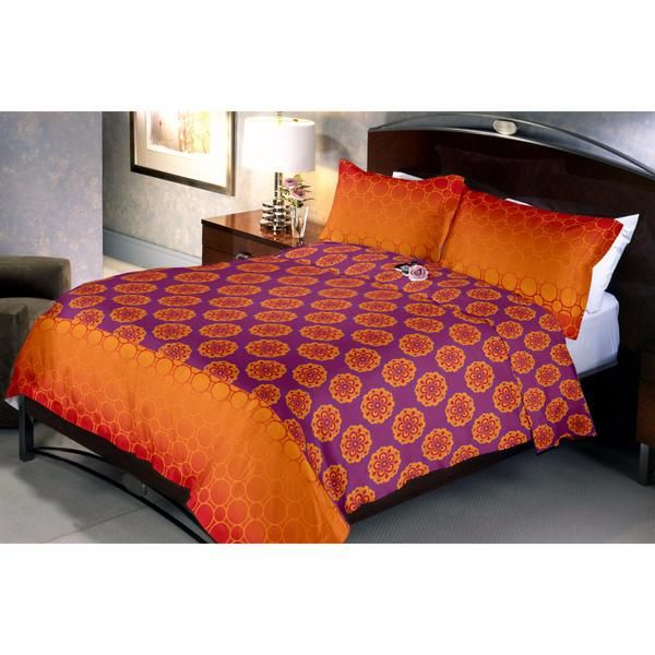 Dark Orgenta another Classic Bed Sheet From Uber Urban Designed With combination Of Dark Orange And Dark Magenta Colors.