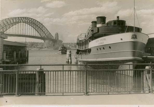 South Steyne Passenger Ferry, moored at Circular Quay, Sydney, Australia v@e