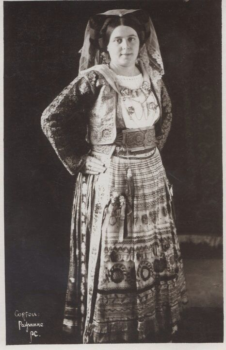 Νυφιάτικη φορεσιά Κερκύρας