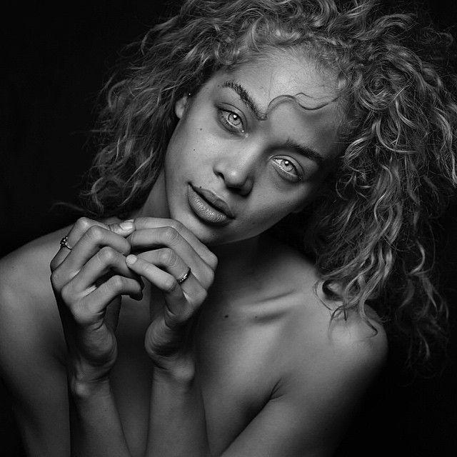 Jasmine Sanders by Randall Slavin