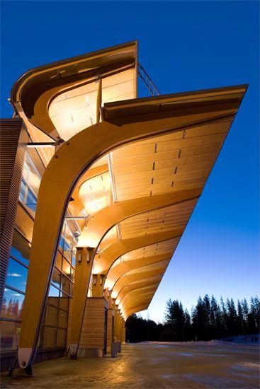 matkustajaterminaali - laminated timber canopy-Jyväskylä Airport - extension 2004, Helin & Co Architects