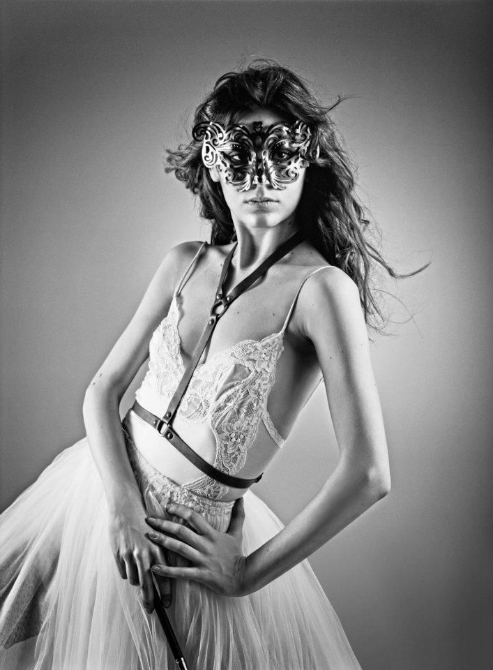 BALLY'S FACE. Photo:Evgeniy Tsoy Hair: Alexey Yaroslavtsev Model: Mariana Gomes Bolshoy Theater's ballerina. Style: Roomchik.ru ( Evgeniya Ostrovskaya) #fashionshoot #ballerina #roomchikshooting #black&white #mask #lace