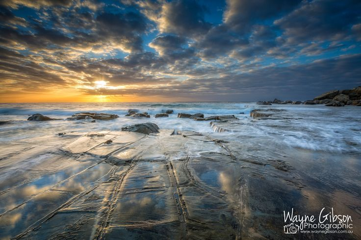 Forresters Beach sunrise by Wayne Gibson / 500px