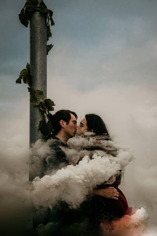 Smoke Grenade Photography   Ignite Fireworks   婚紗照