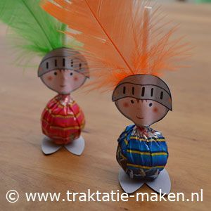 Can't read dutch but i think i can work out what they did. Update Made them as Mike the knights with foam for the feet _ they looked great in the party bags!