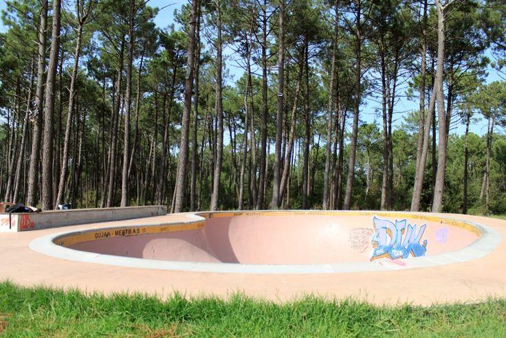 Spot : Skatepark Gujan Mestras (33) - Plus de spots de skate et skateparks sur www.spotsdeskate.fr