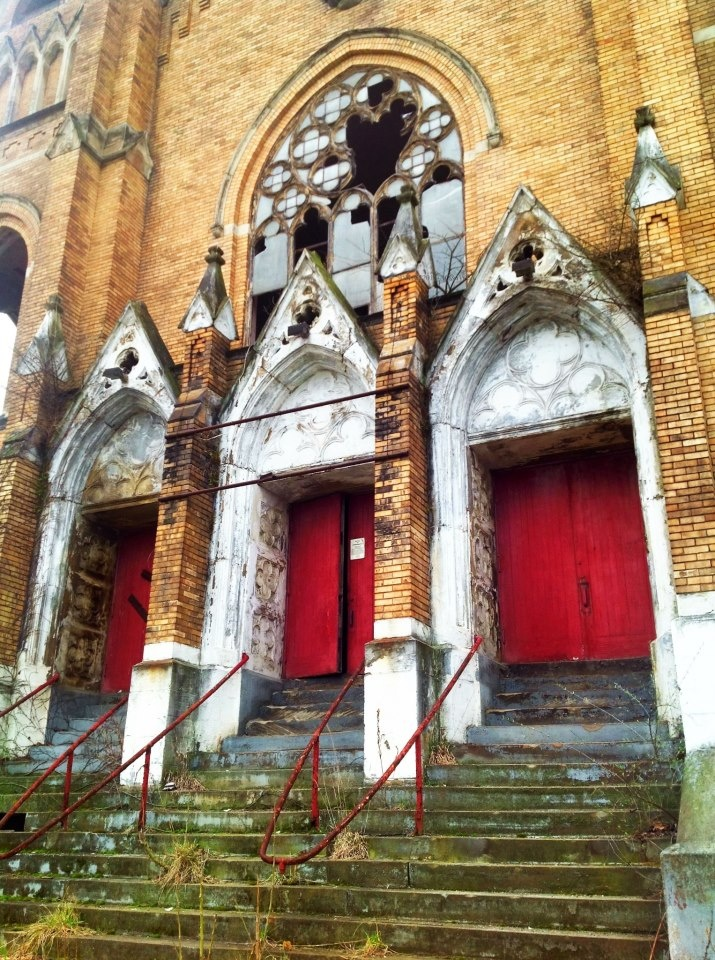 The front door to the Holy Trinity Church in Duquesne, PA.