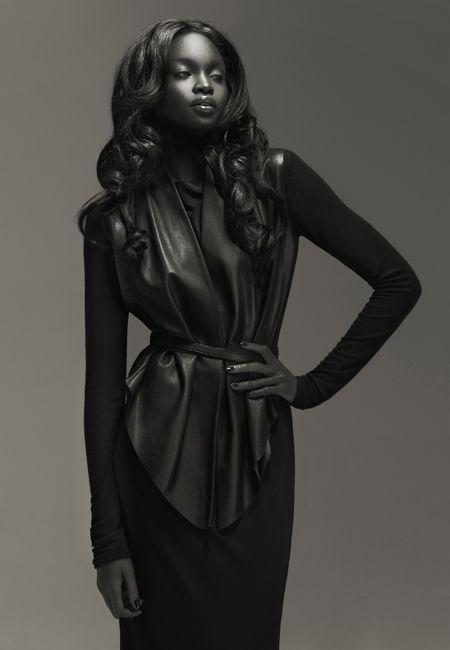 Niki dark blackonblack | Adult photos)