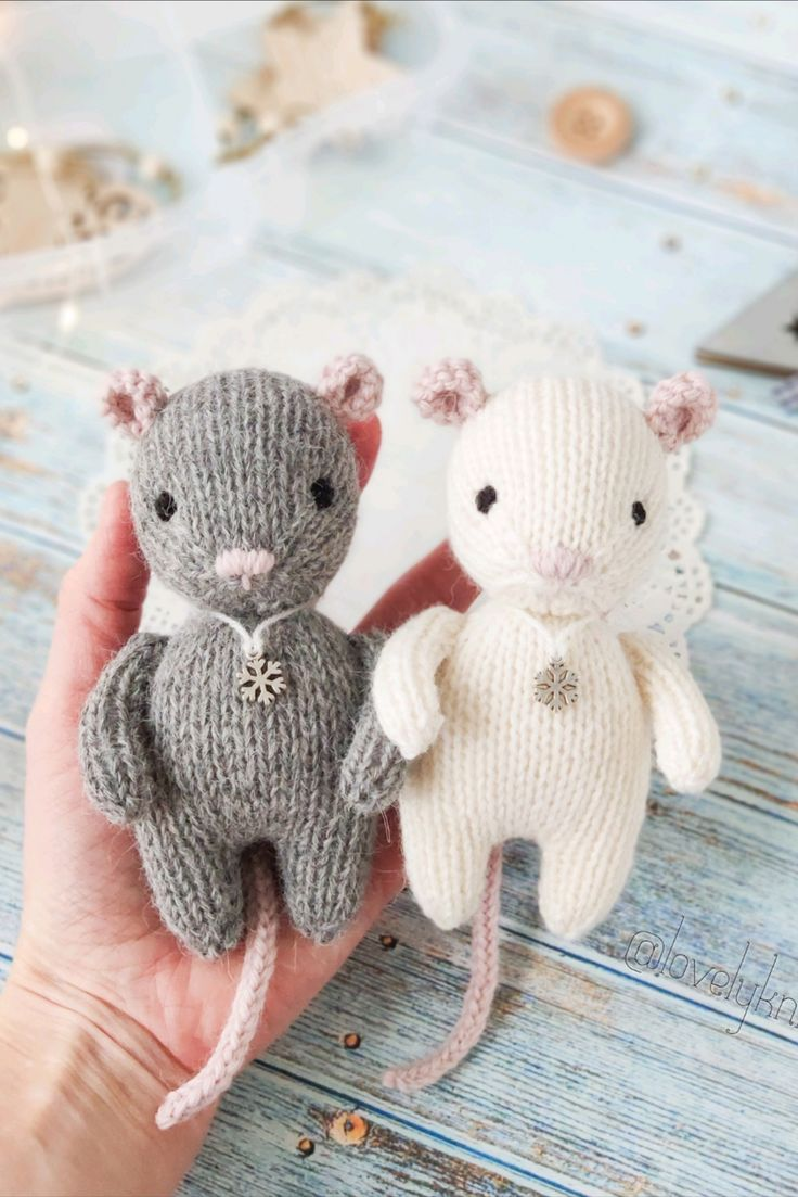 Mice Socks Free Knitting Pattern Freeknittingpattern Knittingsocks Knittingpatterns