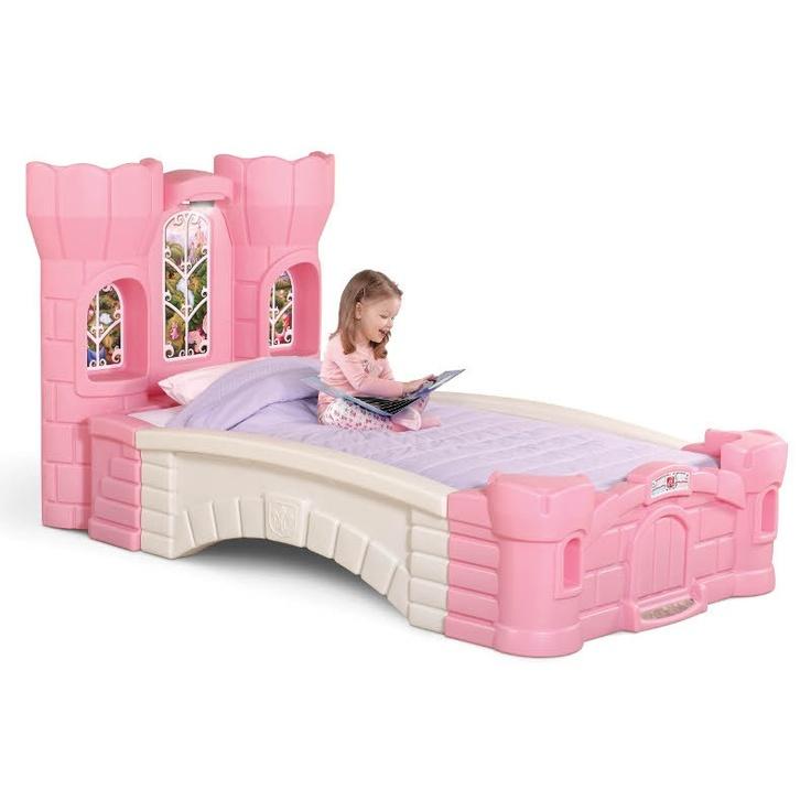 Un vrai Château de Princesse en forme de lit ! httpwww