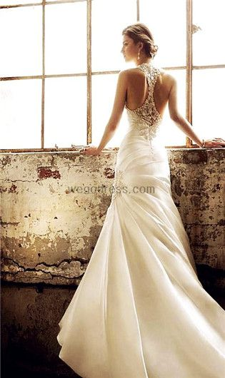 First racer back wedding dress I have ever seen. And it's a beautiful idea!!