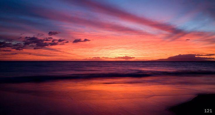 Amazing Maui sunset: God Creations,  Coast, Bella Noche, Maui Sunsets,  Seacoast, Maui Rainbows,  Sea-Coast, Goodnight Sun, Amazing Maui
