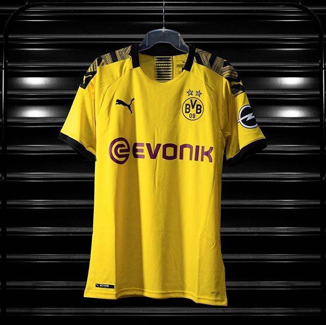 Borussia Dortmund In Seiner Vollen Pracht Schnappen Sie Ihre Im Laden Oder Tippen Sie Auf Um Jetzt Einkaufen Zu Konnen Borussia Dortmund Dortmund Borussia