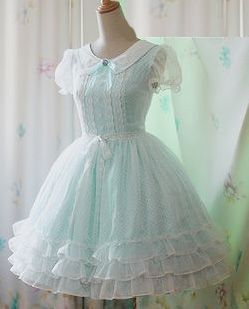 Kawaii Dress                                                                                                                                                                                 Mais